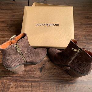 Women's Lucky Brand Boots Size 6 Medium